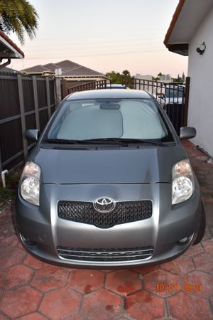 2007 Toyota Yaris Manual transmission for Sale in Miami, FL