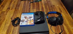 Ps4 slim with headphones and game for Sale in Las Vegas, NV