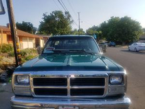 1992 Flatbed work truck, runs good, clean title and pink slip in hand. for Sale in Concord, CA