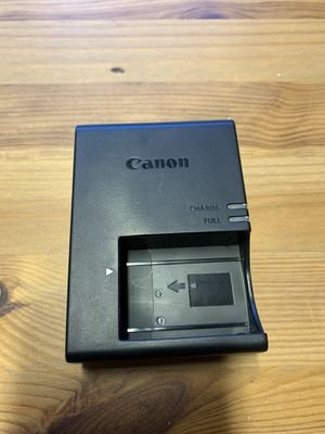Canon LC-E17 Wall charger for t7i, t6i, t6s New Condition for Sale in Bothell, WA