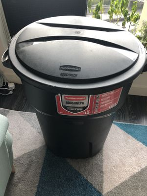 Storage container 32 gallons for Sale in Seattle, WA