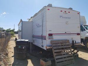 2002 Pioneer Fleetwood Rv Trailer for Sale in Glendale, AZ
