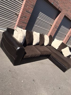 Really nice sectional couch 🛋 Very good condition for Sale in Phoenix, AZ