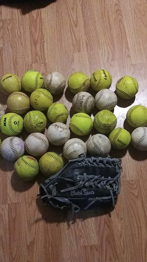 Clutch sports glove softball 13.75 needs to be broken in almost new for Sale in Grand Prairie, TX