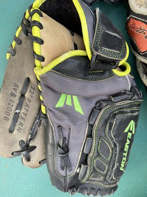 Adult size Easton baseball glove for Sale in Cerritos, CA