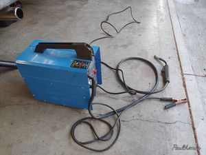 90 amp flux core welder works perfect for Sale in Portland, OR