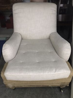 Farmhouse similar 1 lounge chair make OFFER for Sale in Lodi, CA