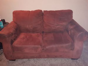 Maroon couch for Sale in Wichita, KS
