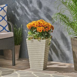 White Outdoor Concrete Garden Planter, Flower Pot for Sale in Rowland Heights, CA