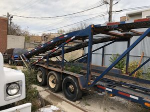 1997 6 car Hauler lift works new wheelbearings great tires new legs lights work clean title for Sale in Chicago, IL
