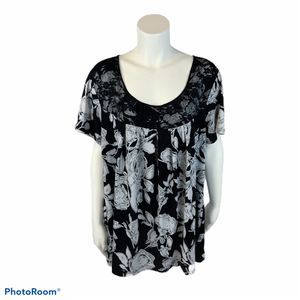 Women's Jaclyn Smith floral blouse size 3x for Sale in Surgoinsville, TN