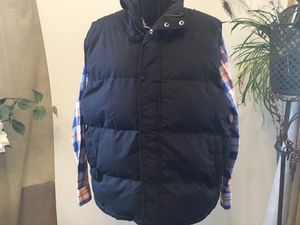 Mans vest size large in good condition for Sale in Darrington, WA