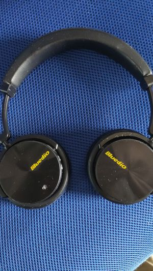 Bluetooth Headphones for Sale in Palmdale, CA