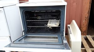 GE electric range with self-cleaning feature. for Sale in Lakeside, AZ