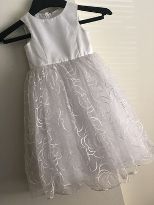 Dress Size 2T for Sale in Raleigh, NC
