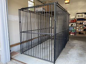 Lucky Dog European Style Kennel with Predator Top, 6 ft. H x 5 ft. W x 10 ft. L for Sale in North Attleborough, MA
