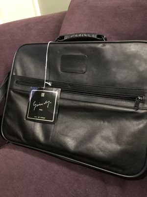 Authentic Leather Great Price!!!Brand new Givenchy Large brief/messenger Bag for Sale in Hackensack, NJ
