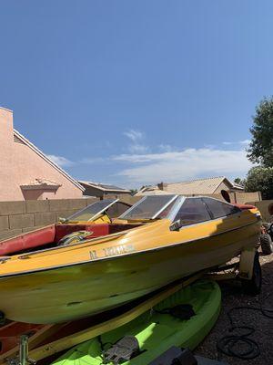 21' BAYLINER SPEED BOAT for Sale in Sun City, AZ