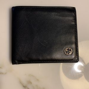 Gucci Men's Bifold Leather Wallet for Sale in Chicago, IL