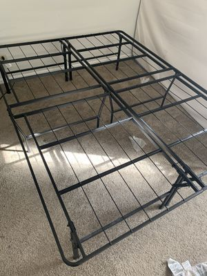 18 inch premium queen bed frame for Sale in Lombard, IL
