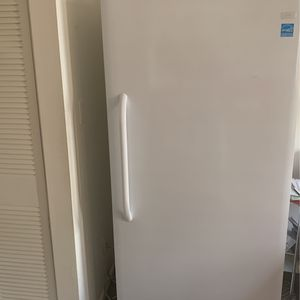 Freezer (less Than A Year Old) for Sale in Alexandria, VA