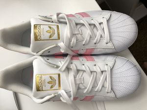 Adidas shoes pink stripe for Sale in Las Vegas, NV