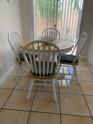 Kitchen Dining Table & Chairs Set Wood & White for Sale in Miami, FL