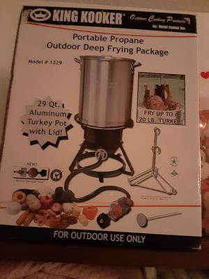 Fry. Your..Turkey. $70.cash..29.qts.portable for Sale in Houston, TX