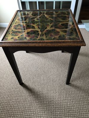 ACCENT/END TABLE for Sale in McHenry, IL
