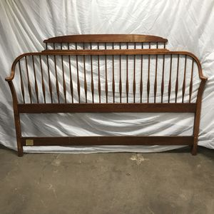 Wooden Queen Headboard for Sale in Chicago, IL