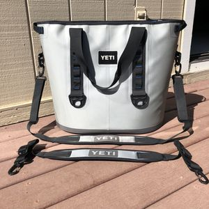 Yeti Hopper 40 Portable Cooler for Sale in Salinas, CA