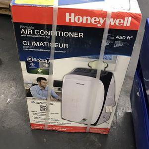 Honeywell 5500-BTU DOE (10000-BTU ASHRAE) 115-Volt White Portable Air Conditioner for Sale in Las Vegas, NV