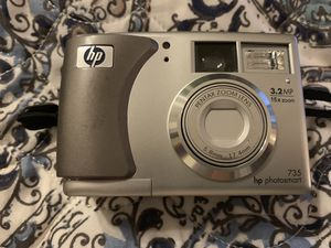HP PhotoSmart 735 3.2 MP Compact Digital Camera for Sale in Goose Creek, SC