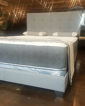 BRAND NEW KING SIZE BED AND MATTRESS (FREE DELIVERY) for Sale in Dallas, TX