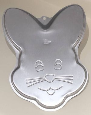 Easter Bunny Rabbit THIN Cake Pan Mold 1998 Wilton 2105-6205 for Sale, used for sale  Las Vegas, NV