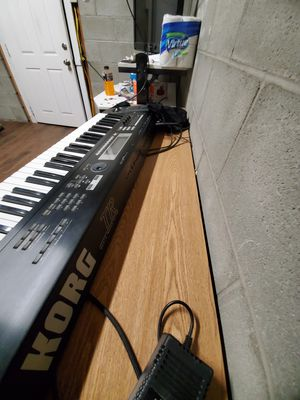 Teclado Korg TR 61 for Sale in Los Angeles, CA