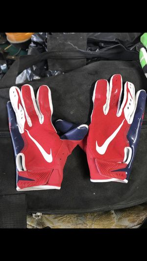 Football gloves for Sale in Fresno, CA