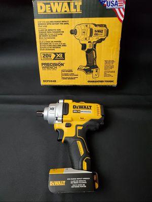 Deealt 20v max cordless brushless XR 1/2 impact wrench impacto 20 voltios de media pulgada for Sale in Los Angeles, CA