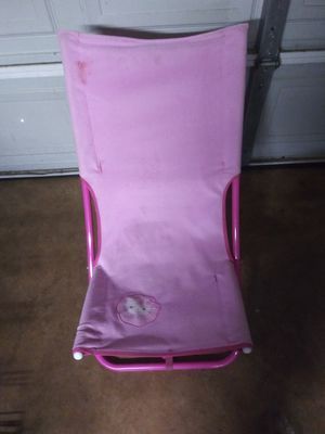 Pink HELLO KITTY foldable chair for Sale in Austin, TX