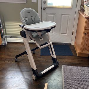 Adjustable High Chair - Peg Perego for Sale in Massapequa, NY