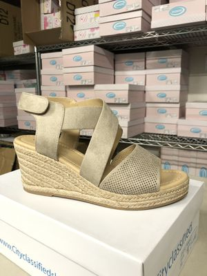 Woman's size 9 preview clay perforated espadrille sandal for Sale in Corona, CA
