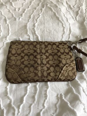Coach wristlet, Brown for Sale in Grosse Pointe Woods, MI