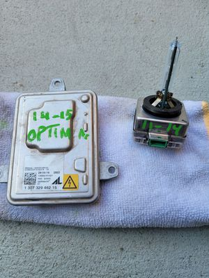 Kia optima 2014 2015 headlight module ballast with xenon bulb for Sale in Lawndale, CA