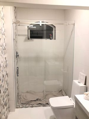 Glass shower doors $25 per sq ft for Sale in North Miami Beach, FL
