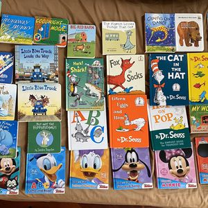 Baby / Kids books Big Lot for Sale in Schaumburg, IL