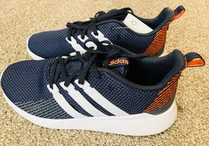 Adidas Questar Flow K Running Shoes Size 7, New In Box for Sale in Oregon City, OR