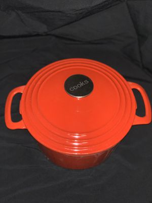 Cooks cast iron pot for Sale in Mishawaka, IN
