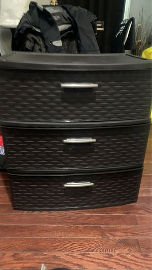 Plastic three drawer brown for Sale in Hoboken, NJ