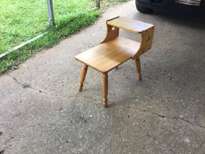 Small end table for Sale in Lexington, NC