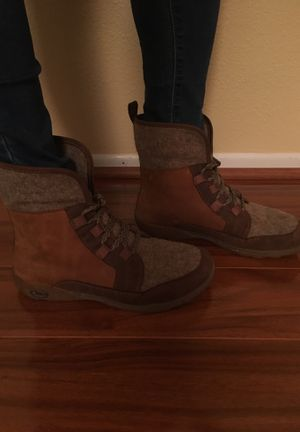 Women's Chaco Barbary Boots- Pinecone for Sale in Brandon, FL